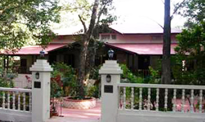 Woodlands Hotel, Matheran